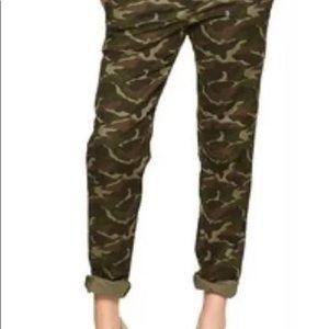 Gap khaki style pants in size 8